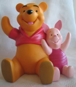 Walt Disney Collectibles - Pooh and Piglet Vinyl Bank